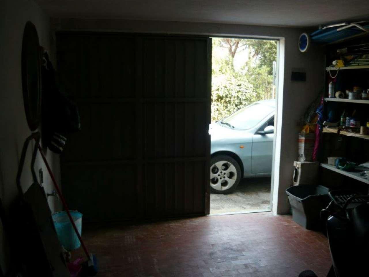 Porto S.Stefano- Garage su 2 livelli. Rif.23/Pts