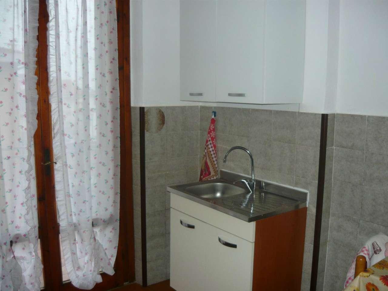 Appartamento da ristrutturare parzialmente arredato in vendita Rif. 8443999