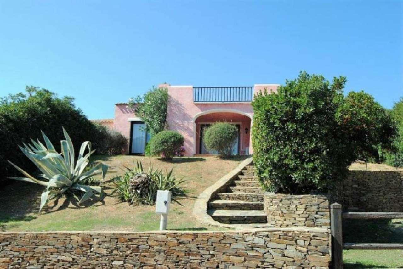 Villa in ottime condizioni parzialmente arredato in vendita Rif. 5225760