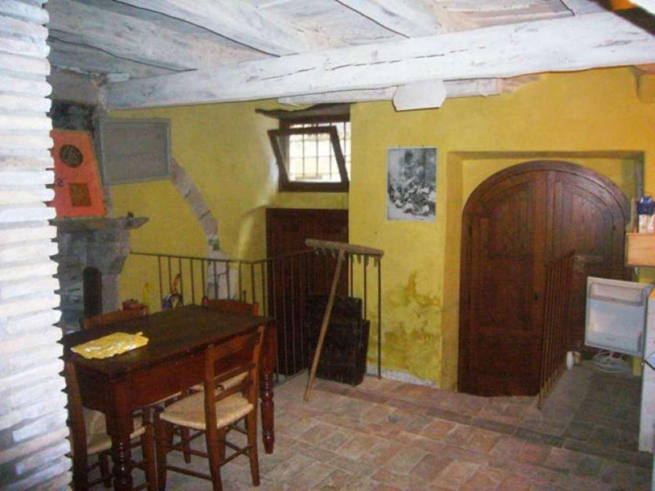Appartamento ristrutturato parzialmente arredato in vendita