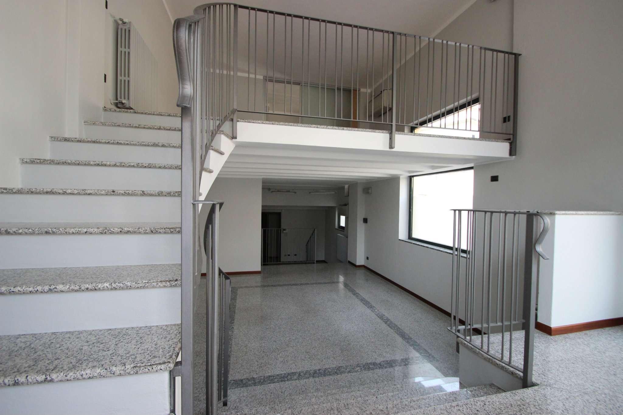 Negozio / Locale in vendita a Casatenovo, 3 locali, prezzo € 105.000 | CambioCasa.it