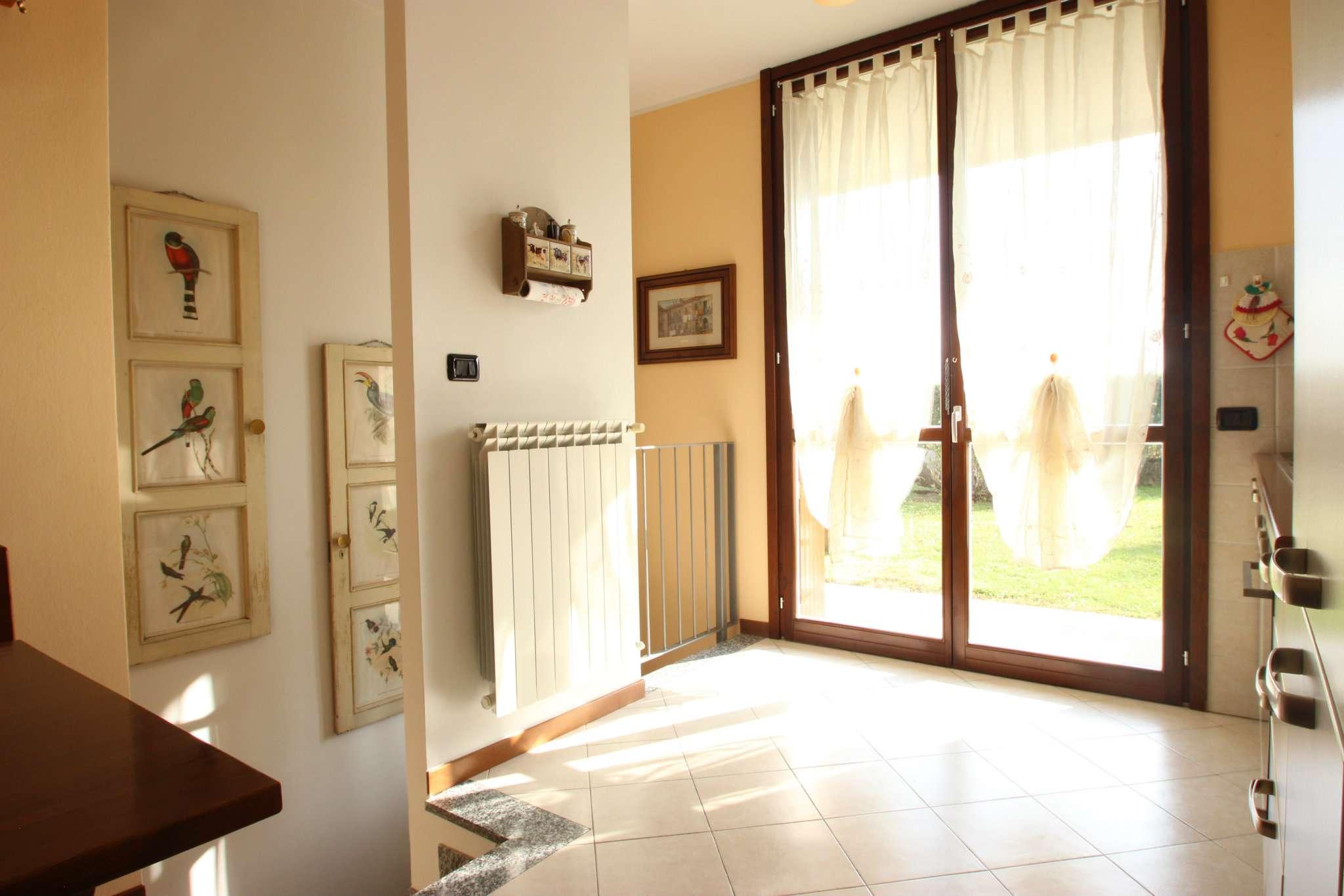 Appartamento in buone condizioni in vendita Rif. 5226035