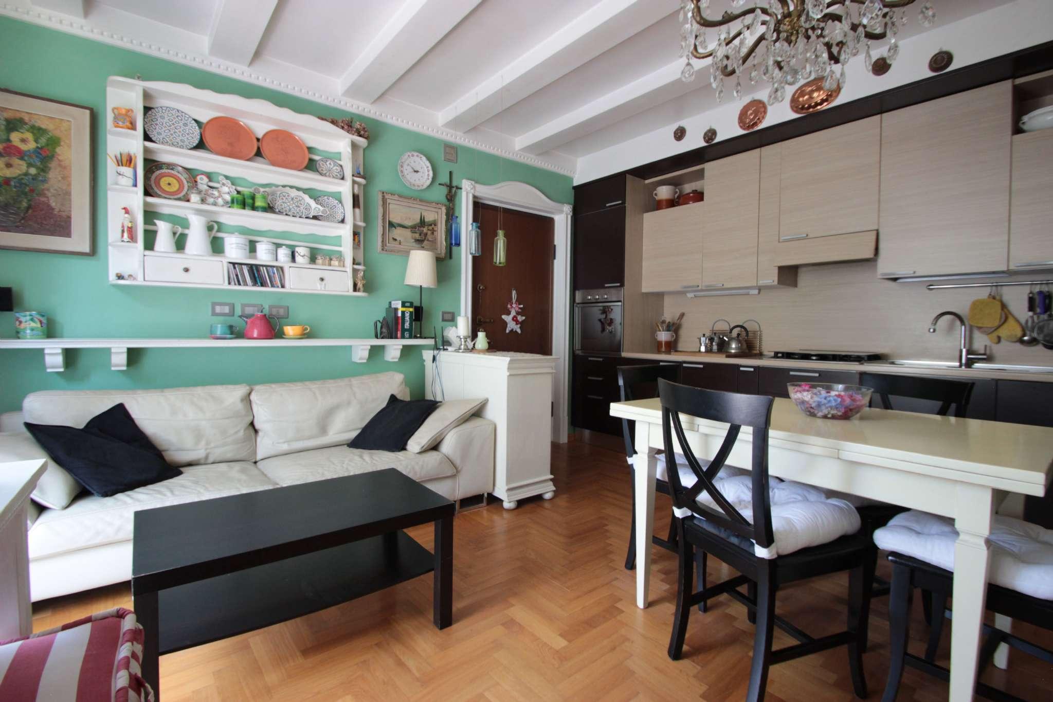 Appartamento 2 locali in vendita a Monticello Brianza