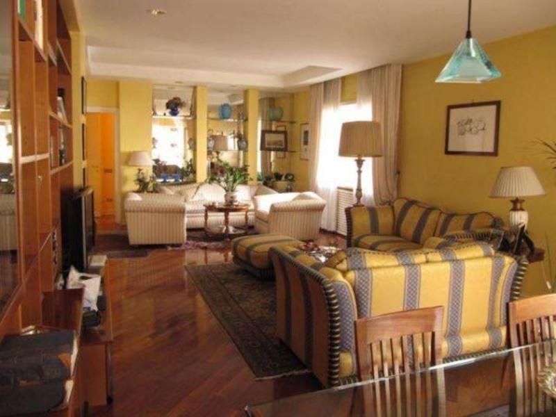Appartamento in vendita a Roma, 5 locali, zona Zona: 3 . Trieste - Somalia - Salario, prezzo € 920.000   CambioCasa.it