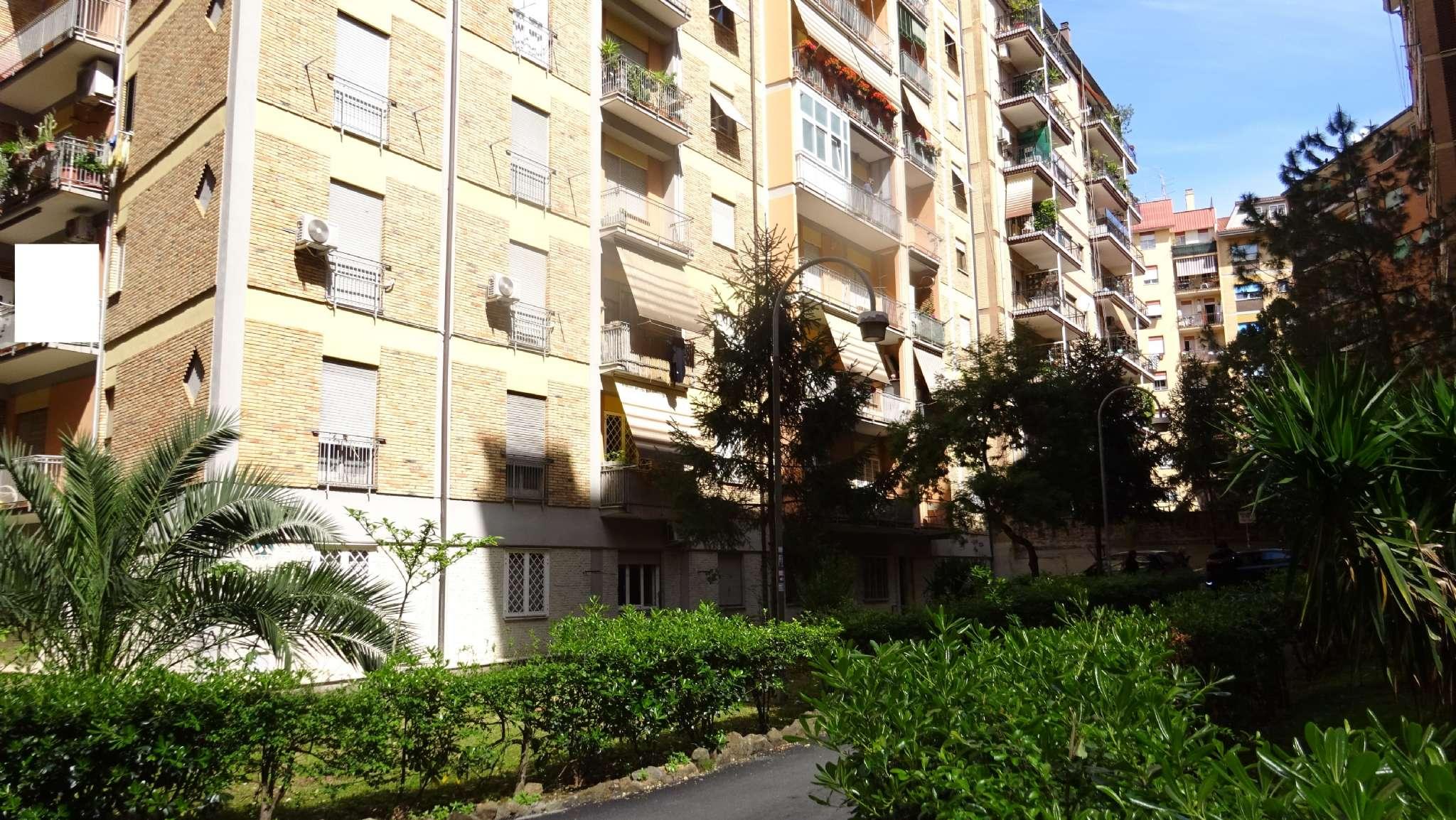 Appartamento in vendita a Roma, 2 locali, zona Zona: 8 . Tiburtina, Colli Aniene, Pietrasanta, San Basilio, prezzo € 220.000 | CambioCasa.it