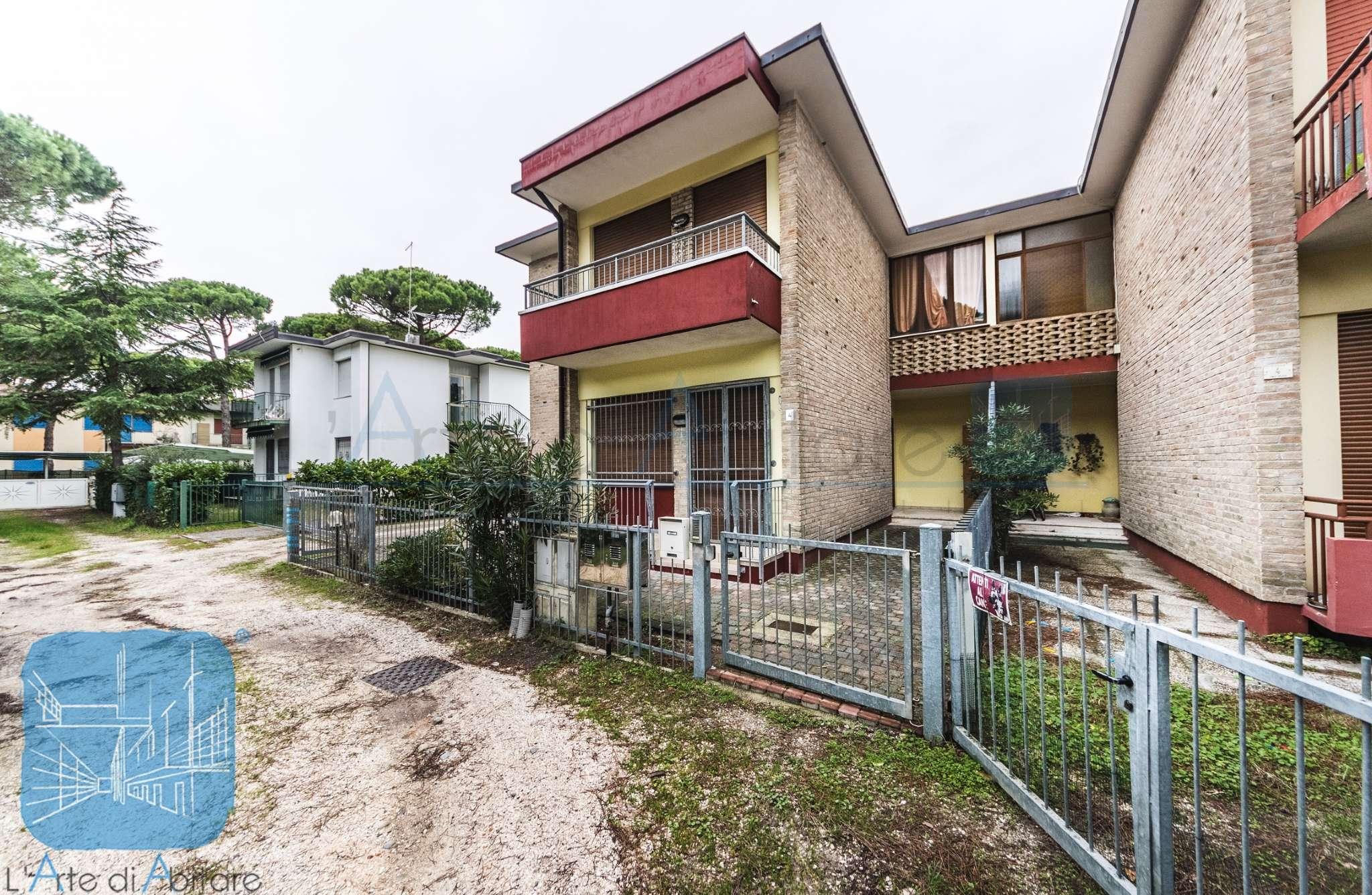 Appartamento in buone condizioni parzialmente arredato in vendita Rif. 9126549