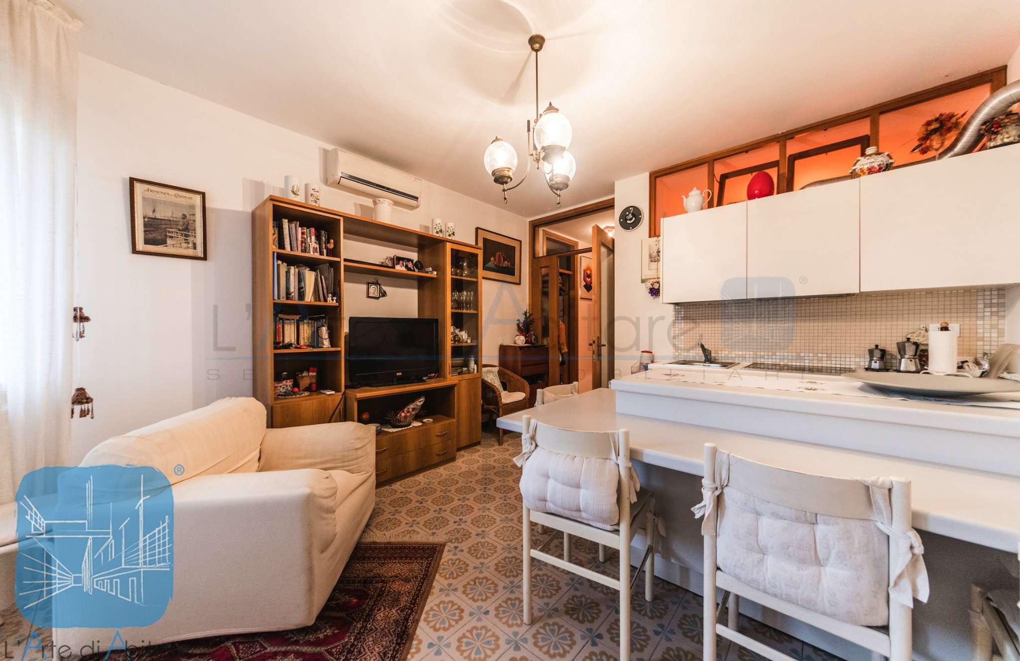 Appartamento in ottime condizioni arredato in vendita Rif. 8878789