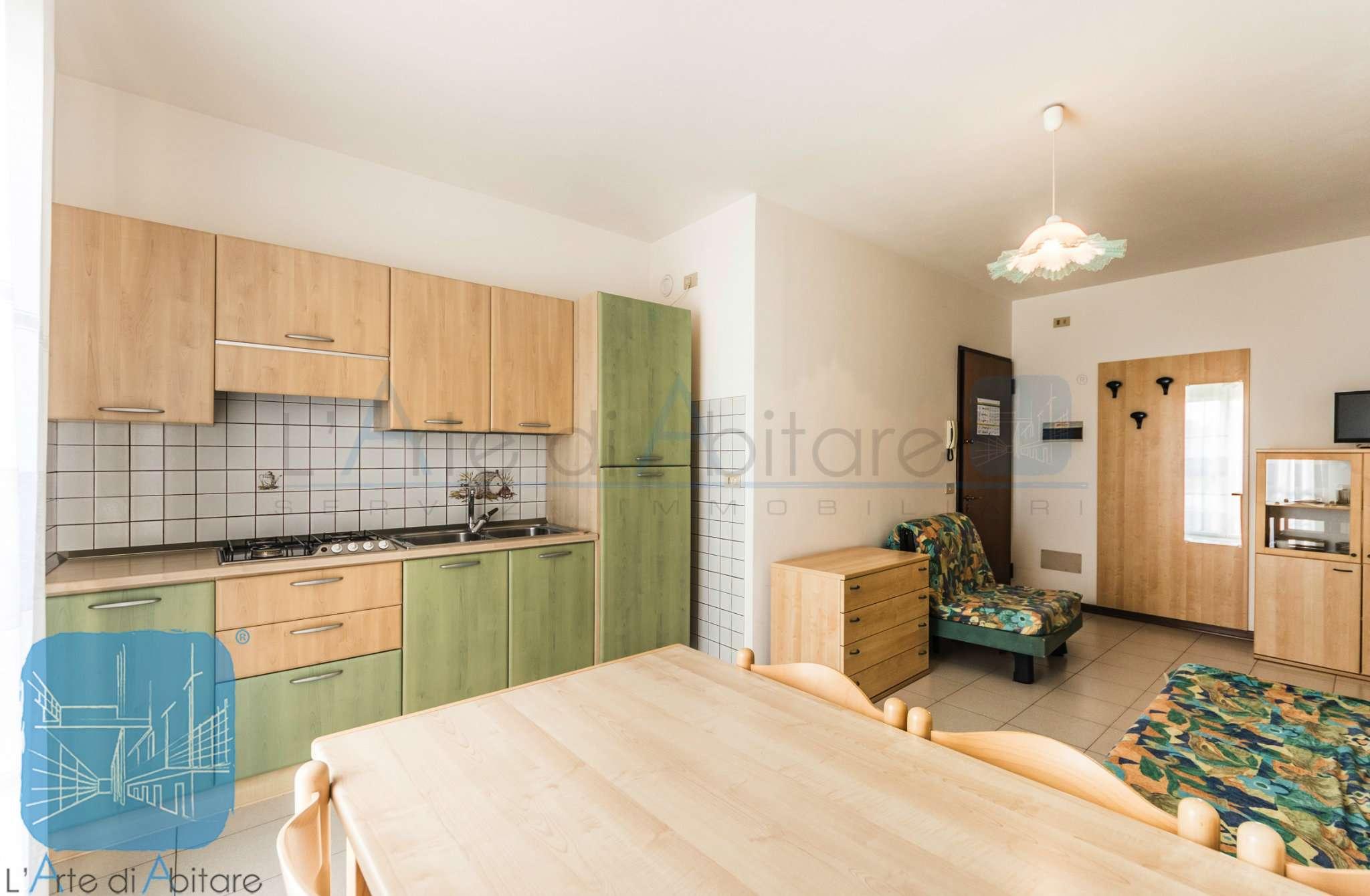 Appartamento in ottime condizioni arredato in vendita Rif. 8788204