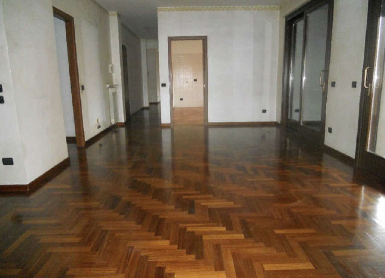 Legnano - Zona centro - appartamento in affitto di 200 mq