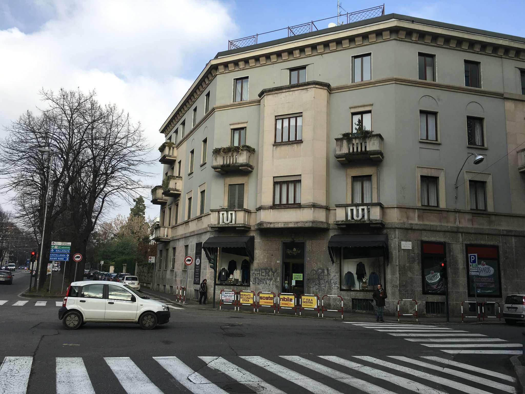 Appartamento in affitto a Busto Arsizio, 4 locali, prezzo € 1.200 | CambioCasa.it