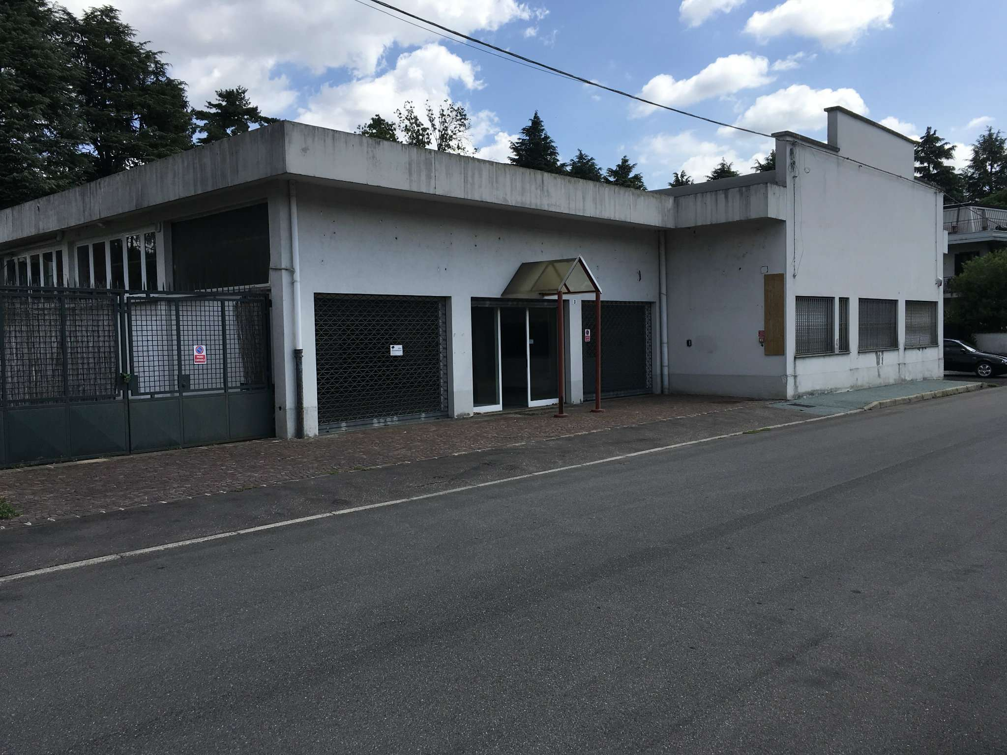 Capannone in affitto a Legnano, 4 locali, prezzo € 3.000 | PortaleAgenzieImmobiliari.it