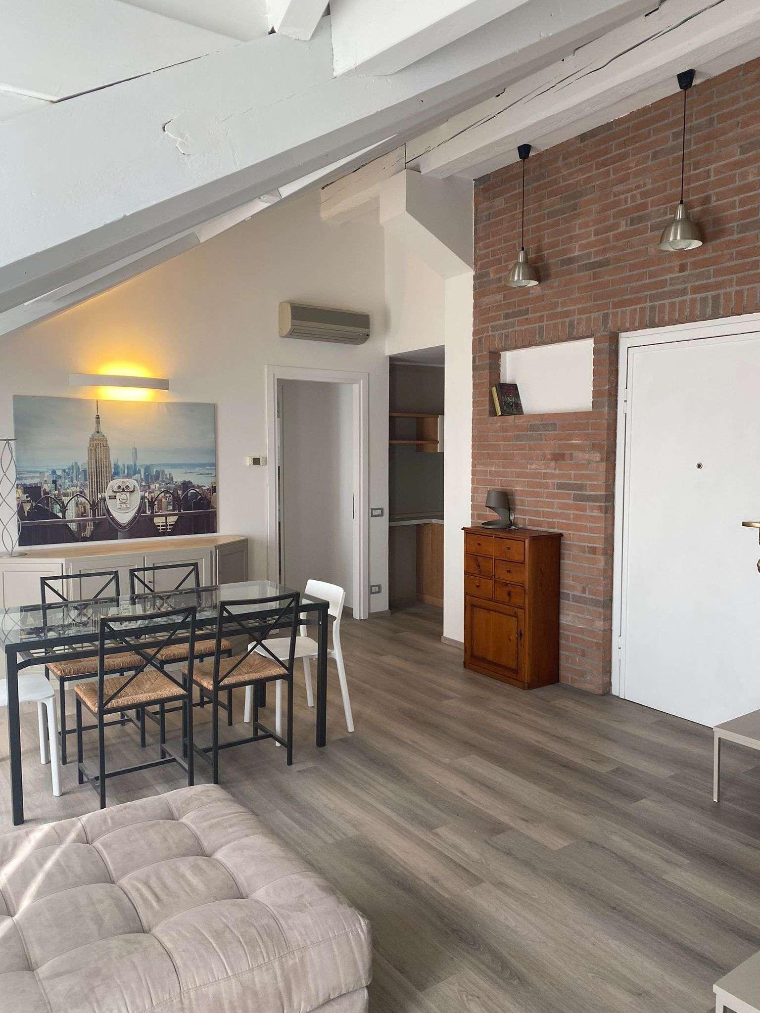 Attico / Mansarda in affitto a Busto Arsizio, 3 locali, prezzo € 1.000 | PortaleAgenzieImmobiliari.it