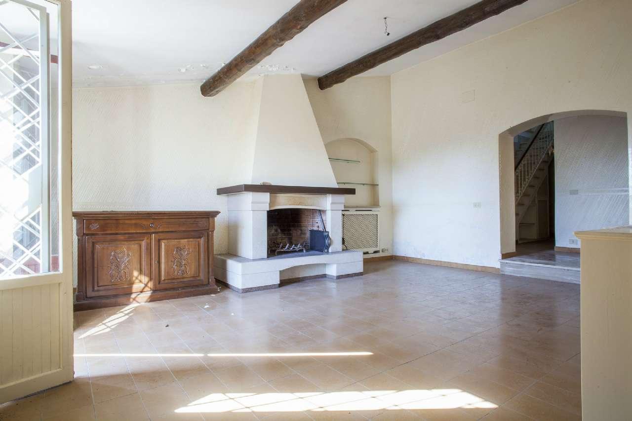 Villa in vendita a Gallicano nel Lazio, 6 locali, prezzo € 100.000 | CambioCasa.it
