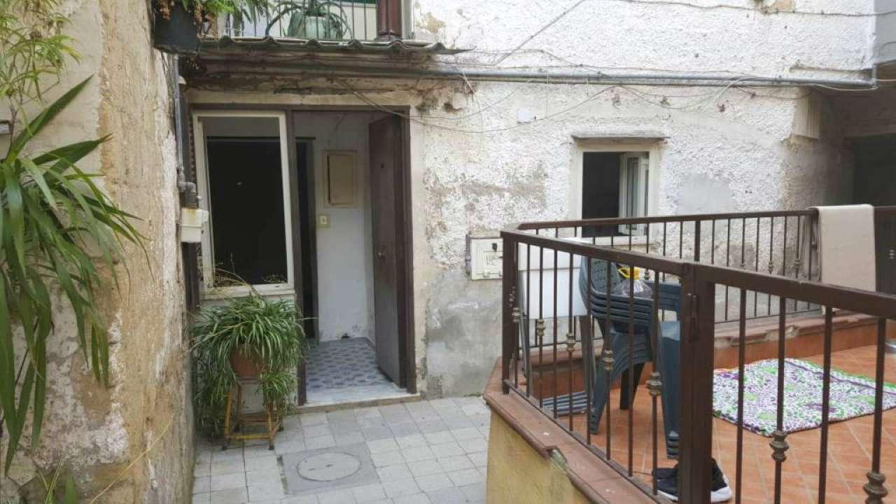 Appartamento da ristrutturare in vendita Rif. 7364585