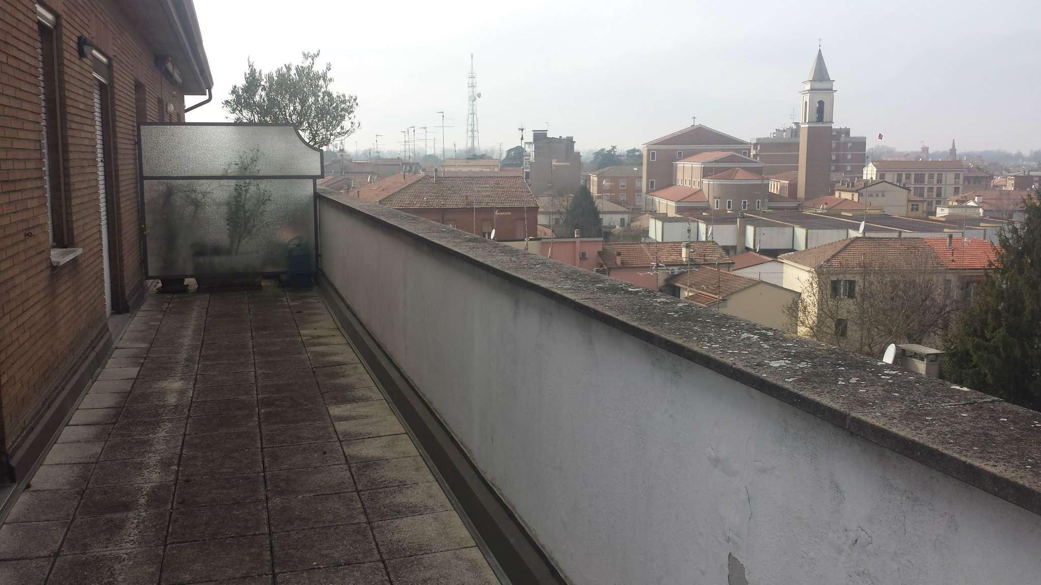 Foto 1 di Attico / Mansarda Argenta