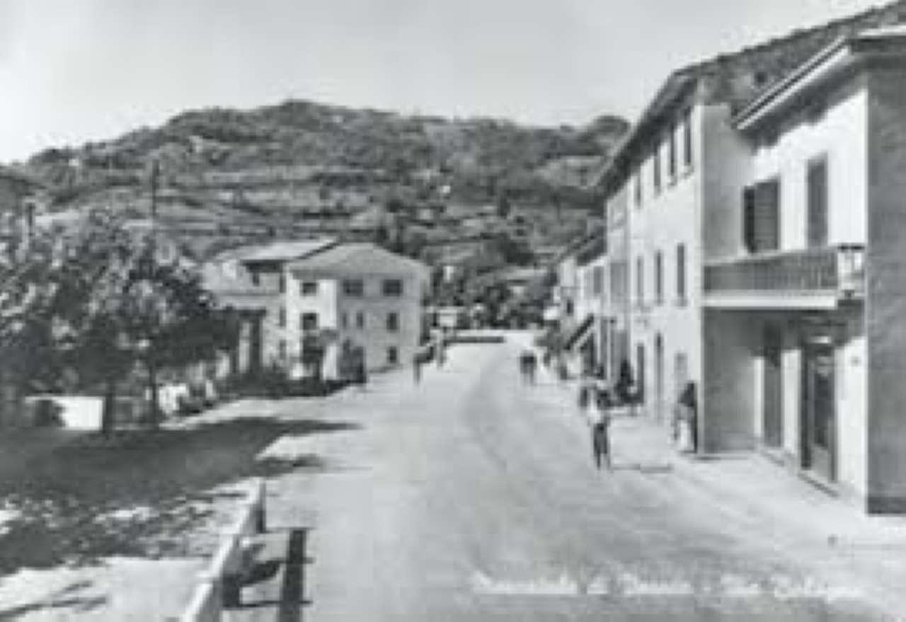 MAGAZZINO +PIAZZALE ANTISTANTE 1500MQ+1500MQ  a Vernio zona Terrigoli