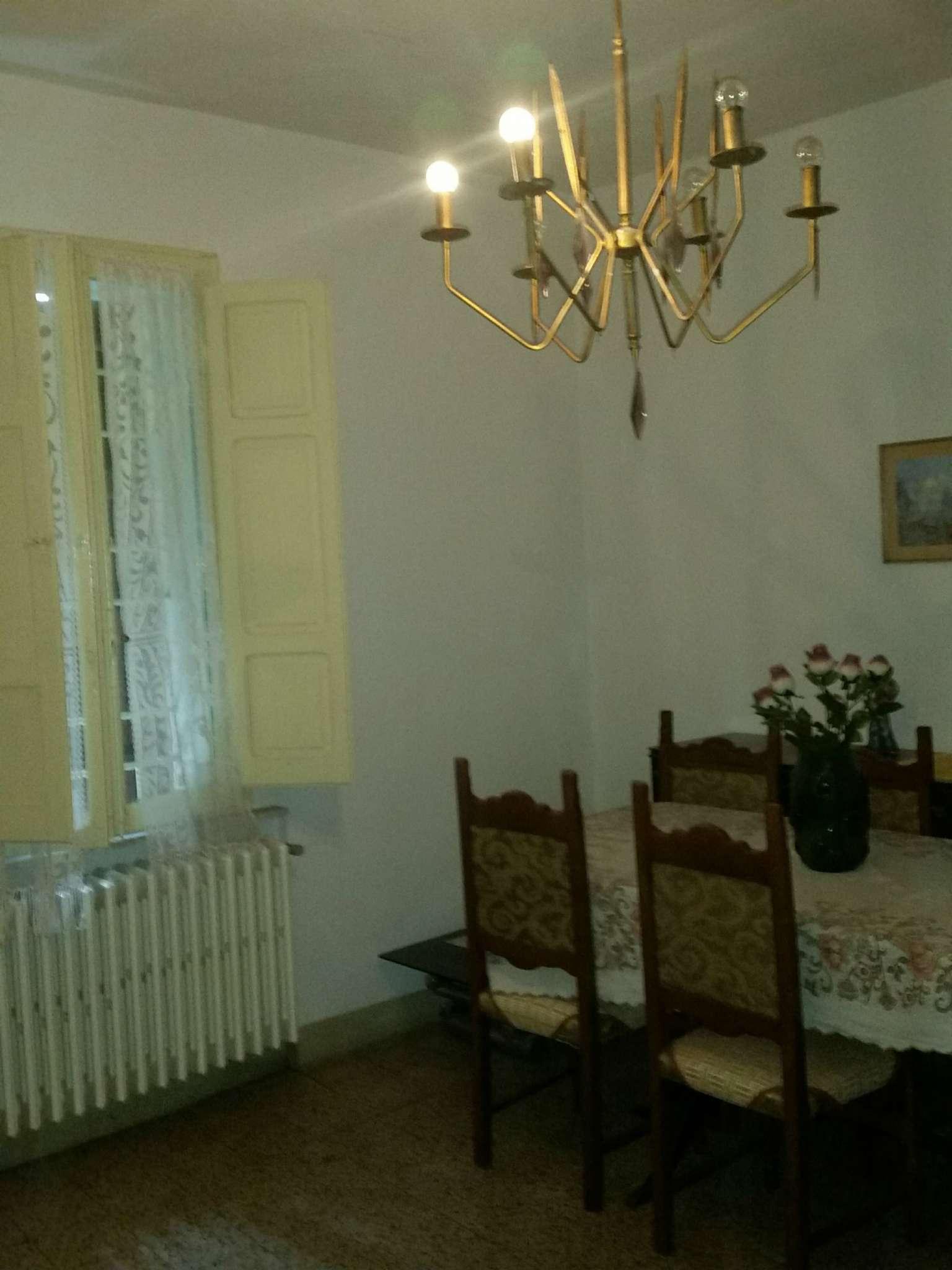 Appartamento in buone condizioni arredato in affitto Rif. 5229036