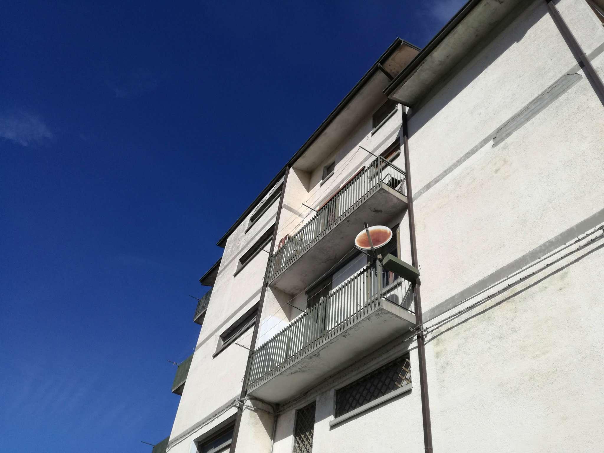 Appartamento in vendita a Camugnano, 6 locali, prezzo € 65.000   PortaleAgenzieImmobiliari.it