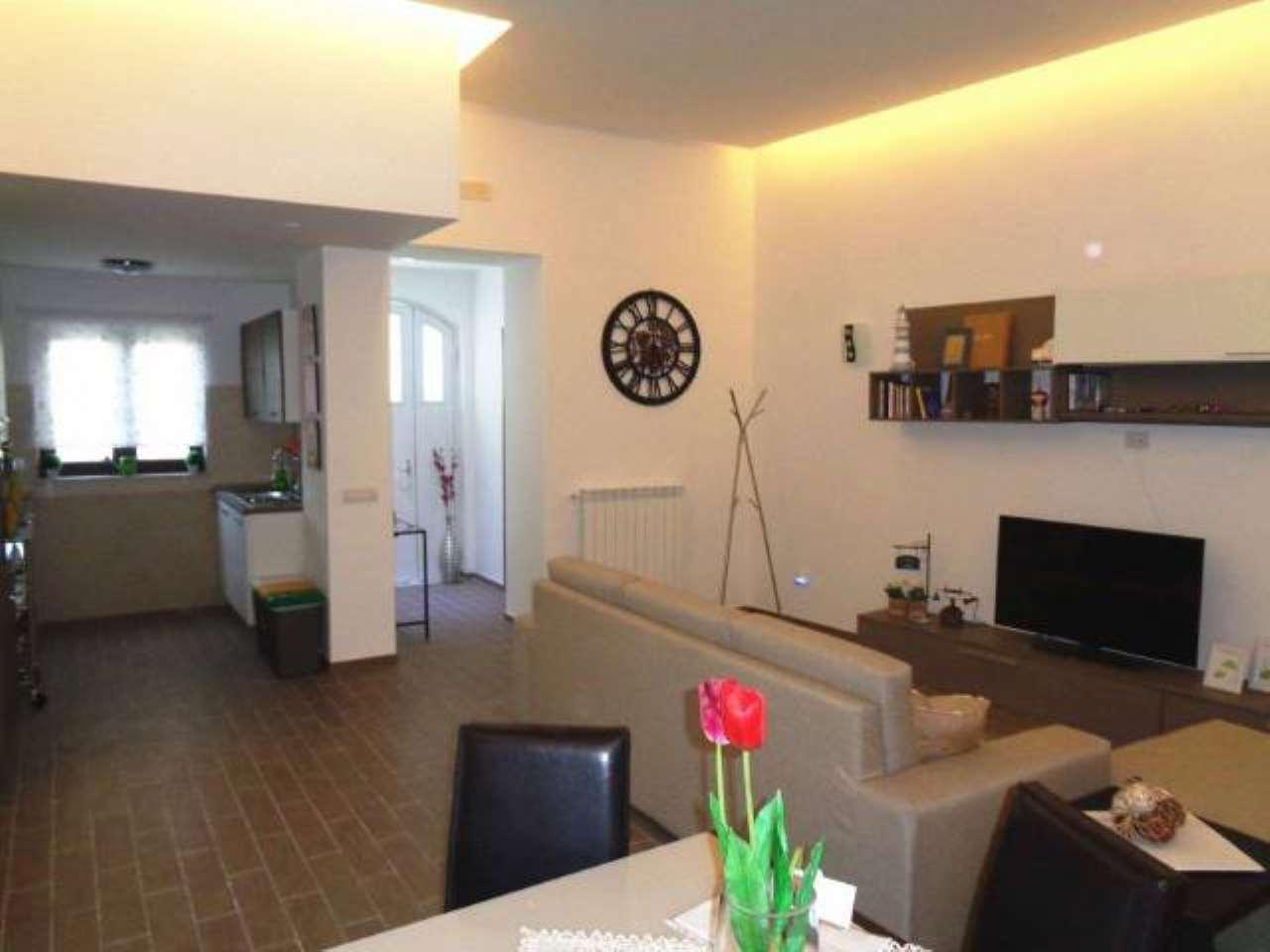 Appartamento in ottime condizioni in vendita Rif. 8649222