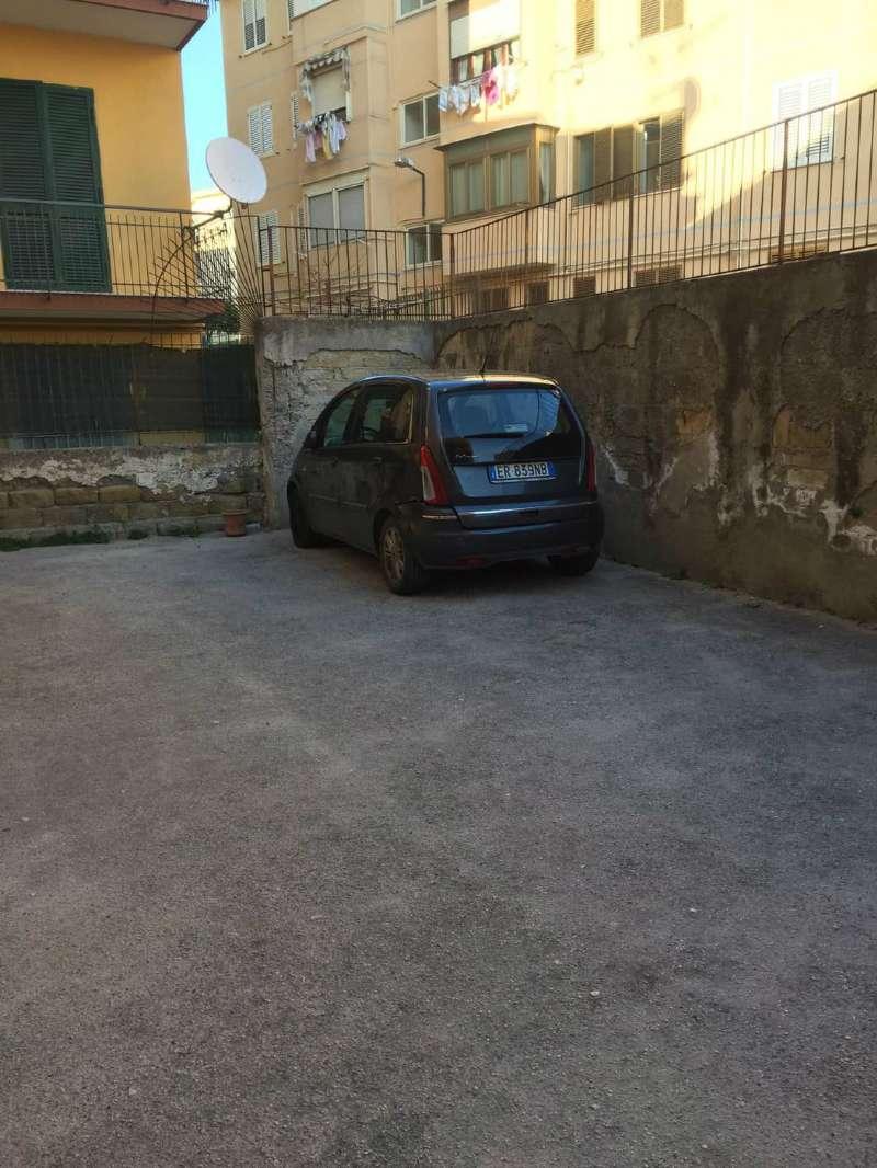 Magazzino in vendita a Pozzuoli, 1 locali, prezzo € 115.000 | CambioCasa.it