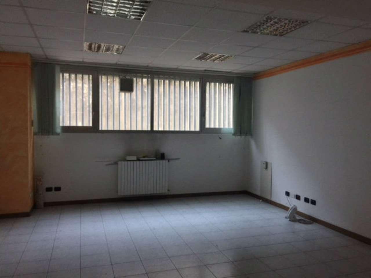 Laboratorio in vendita a Cinisello Balsamo, 6 locali, prezzo € 158.000 | CambioCasa.it