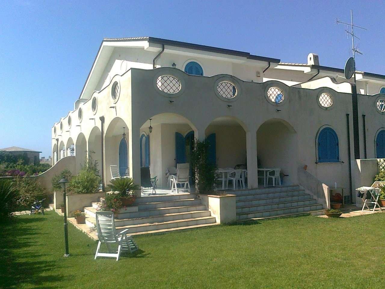 Villa Tri-Quadrifamiliare in vendita a Sperlonga, 7 locali, prezzo € 620.000 | CambioCasa.it