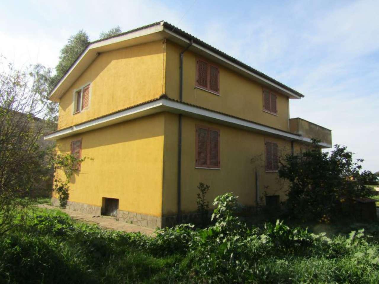Casa Indipendente in buone condizioni in vendita Rif. 5866020