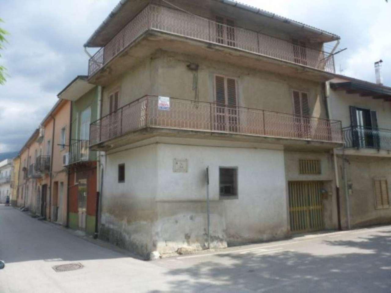 Soluzione Indipendente in vendita a Moiano, 4 locali, prezzo € 47.000 | CambioCasa.it