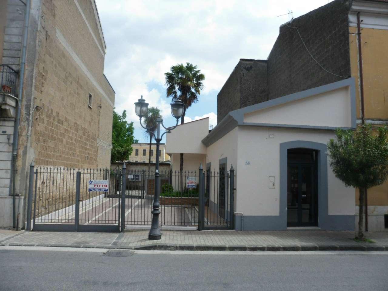 Negozio / Locale in affitto a Airola, 4 locali, prezzo € 500 | CambioCasa.it