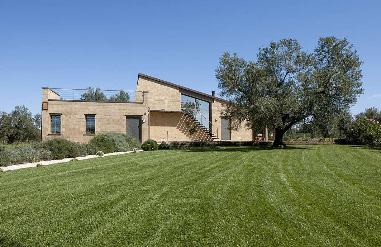 Villa in vendita a Canino, 4 locali, prezzo € 800.000 | CambioCasa.it