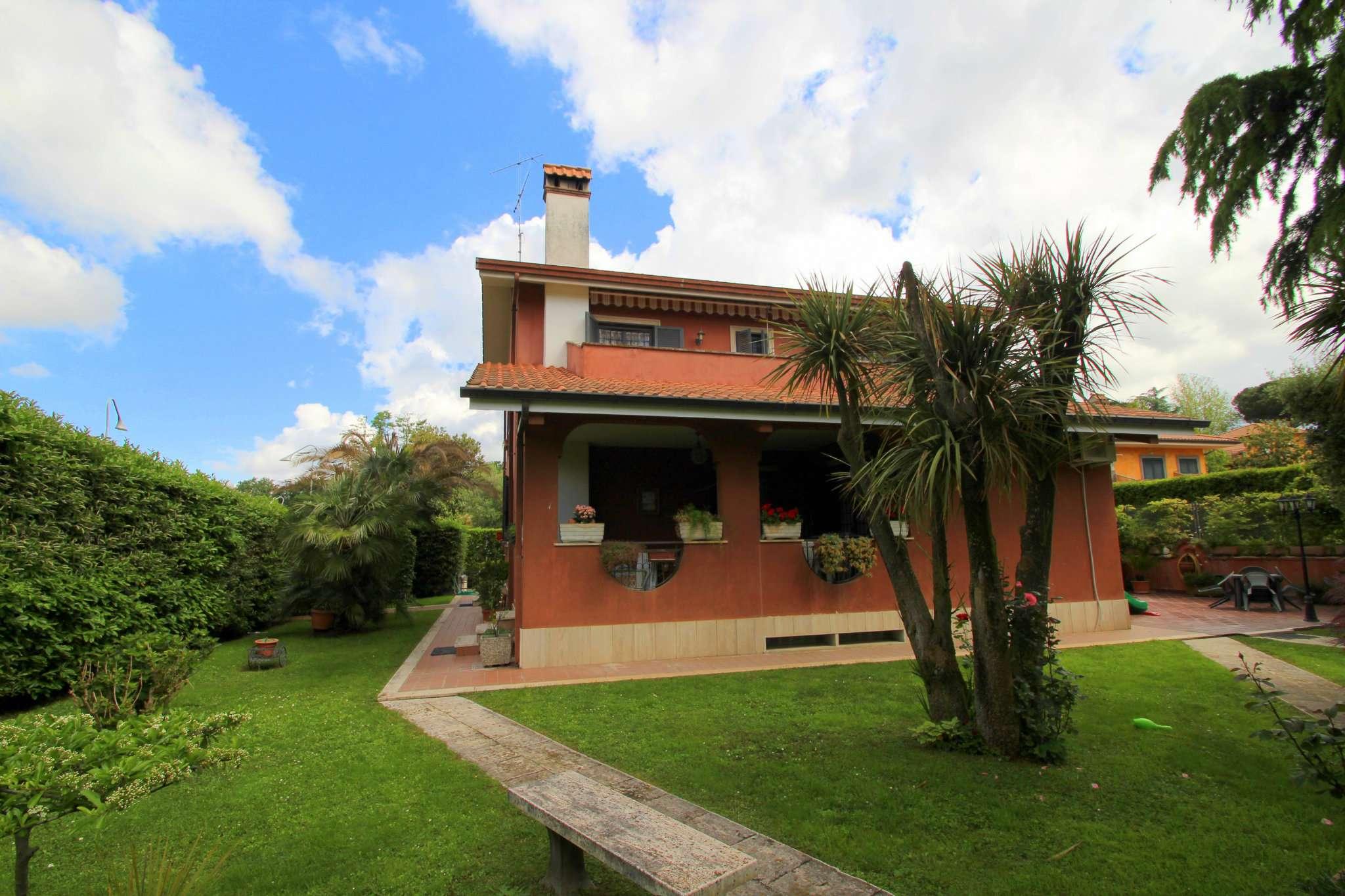 Villa in vendita a Grottaferrata, 8 locali, prezzo € 540.000   CambioCasa.it