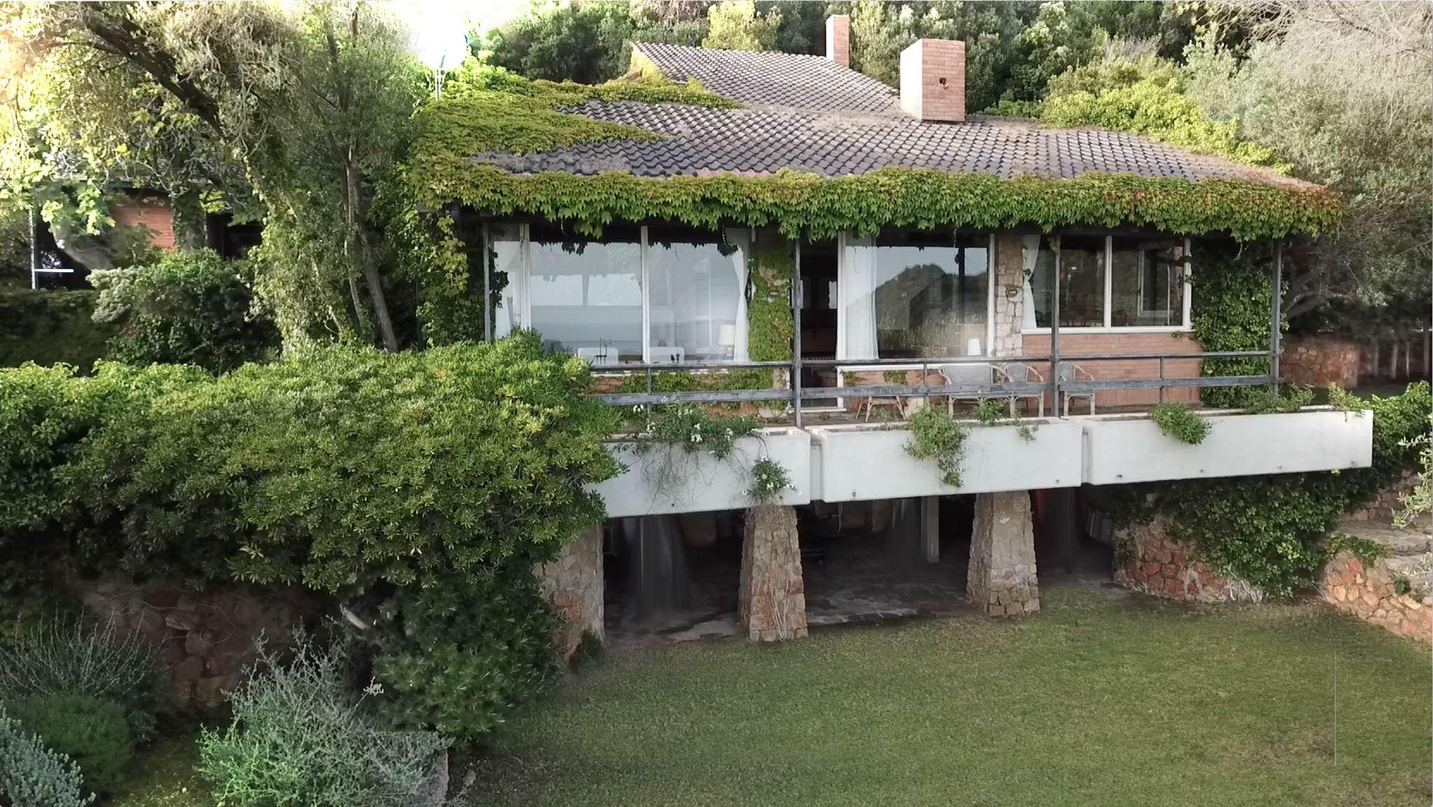 Monte Argentario - Cala Piccola: elegante villa panoramica con ampio giardino