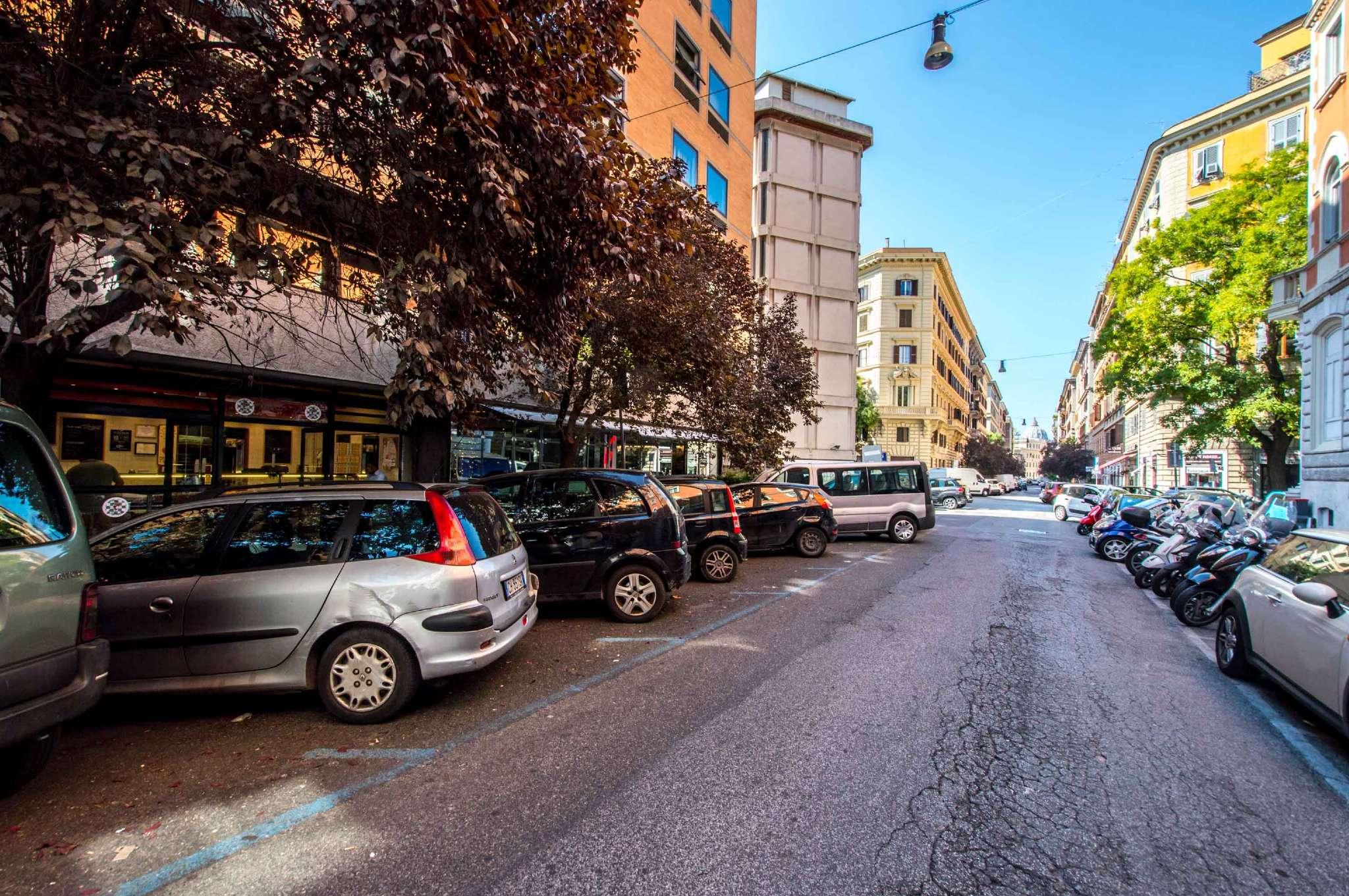 Uffici in affitto a roma in zona rione prati cerca con for Affittasi ufficio zona prati roma