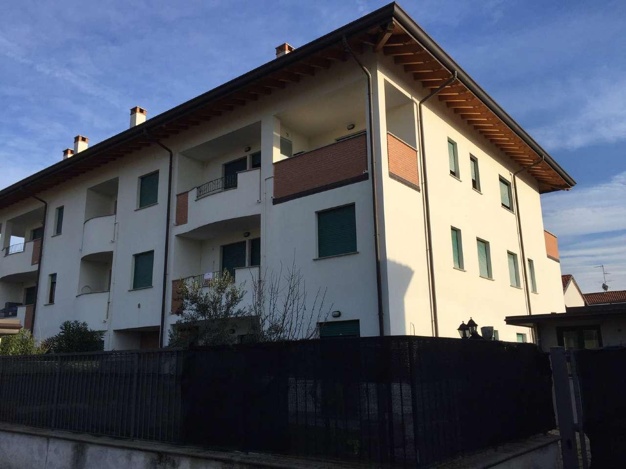 Appartamento in vendita a Busto Garolfo, 3 locali, prezzo € 135.000 | CambioCasa.it