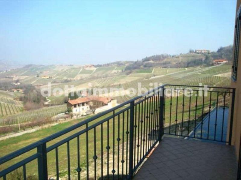 Appartamento in vendita a Monforte d'Alba, 4 locali, prezzo € 210.000 | CambioCasa.it