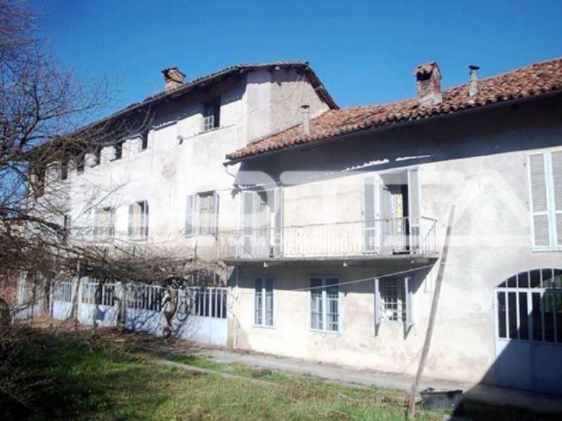 Villa in vendita a Dogliani, 5 locali, prezzo € 198.000   CambioCasa.it