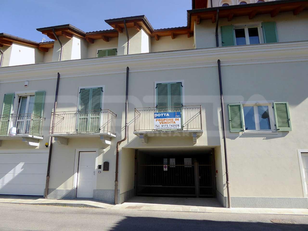 Villa a Schiera in vendita a Dogliani, 5 locali, prezzo € 245.000   CambioCasa.it