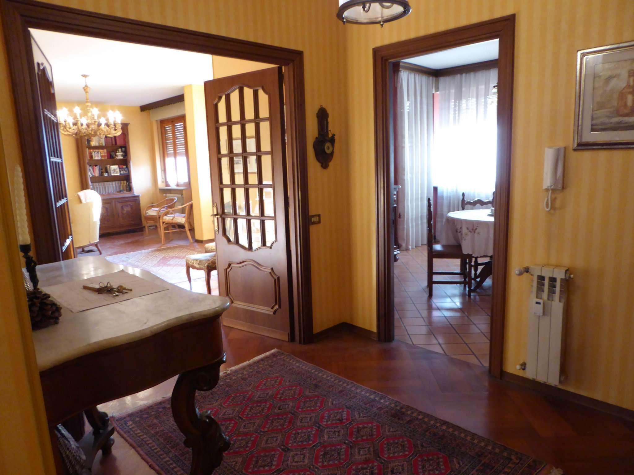 Appartamento ristrutturato parzialmente arredato in vendita Rif. 6111495