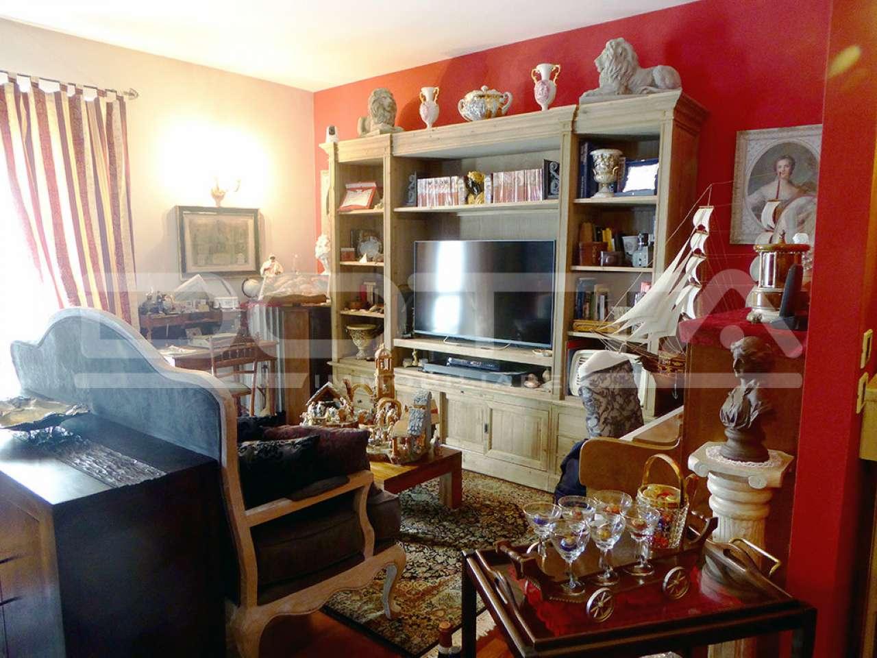 Appartamento ristrutturato parzialmente arredato in vendita Rif. 6111496