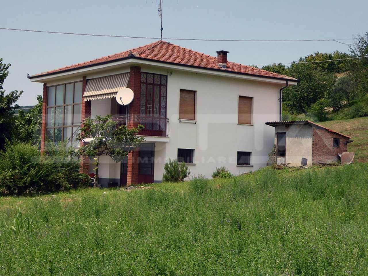 Soluzione Indipendente in vendita a Dogliani, 6 locali, prezzo € 153.000   CambioCasa.it