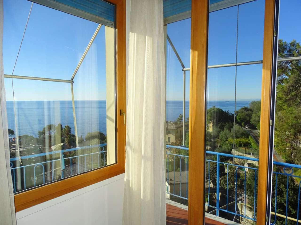 Appartamento in vendita a Pieve Ligure, 4 locali, prezzo € 298.000   CambioCasa.it