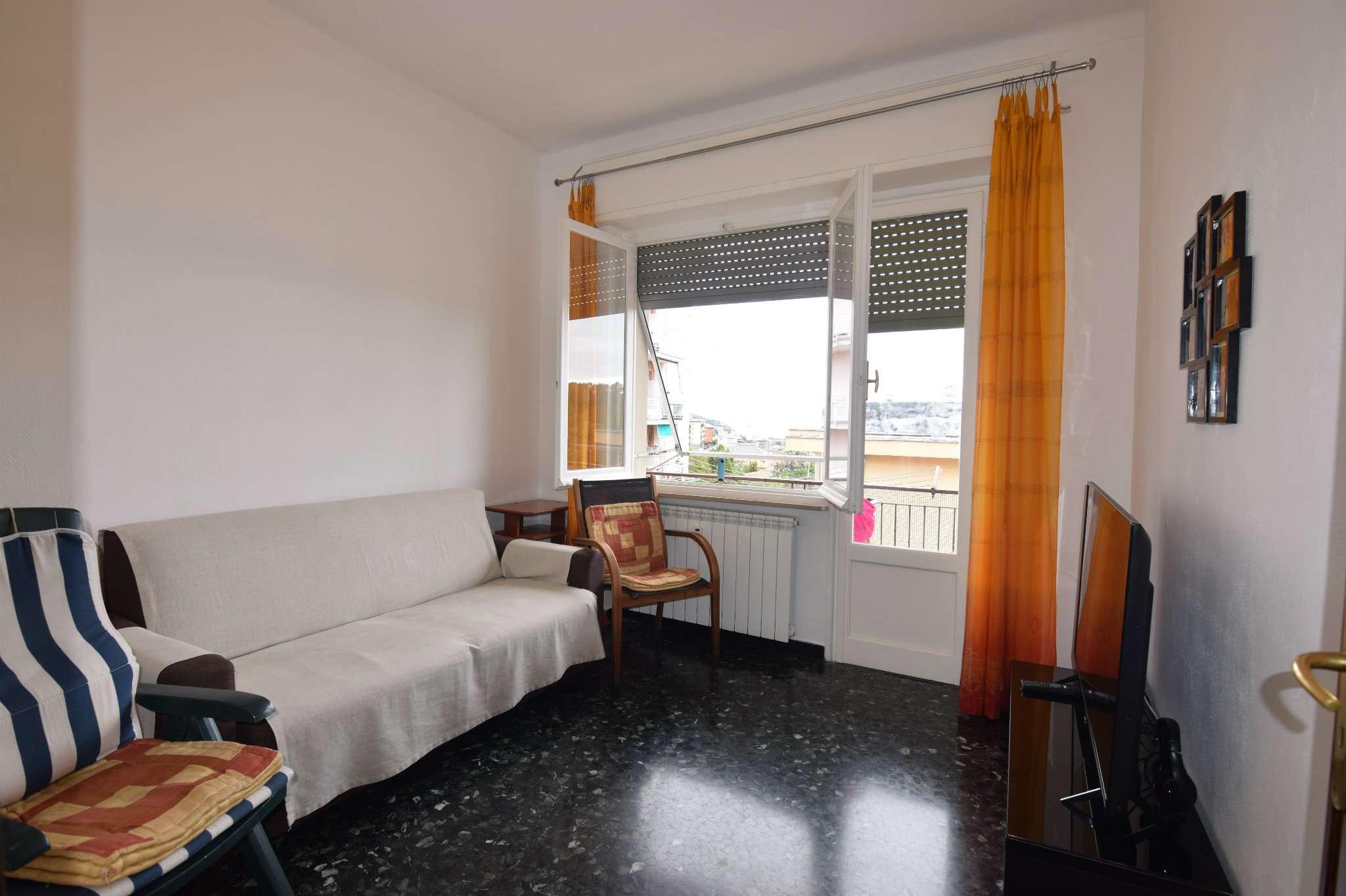 Appartamento in vendita a Arenzano, 3 locali, prezzo € 170.000 | CambioCasa.it