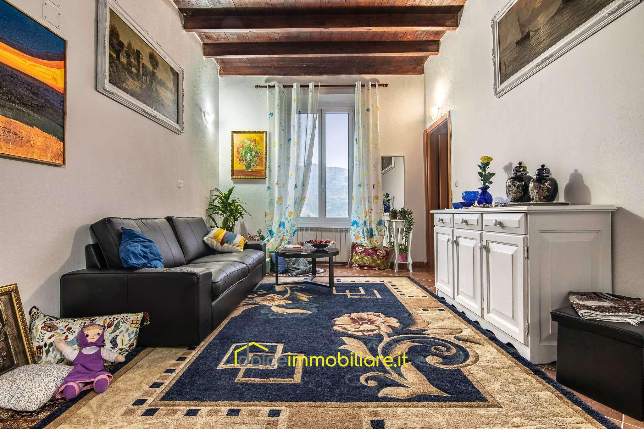 Appartamento in vendita a Uscio, 4 locali, prezzo € 120.000 | CambioCasa.it