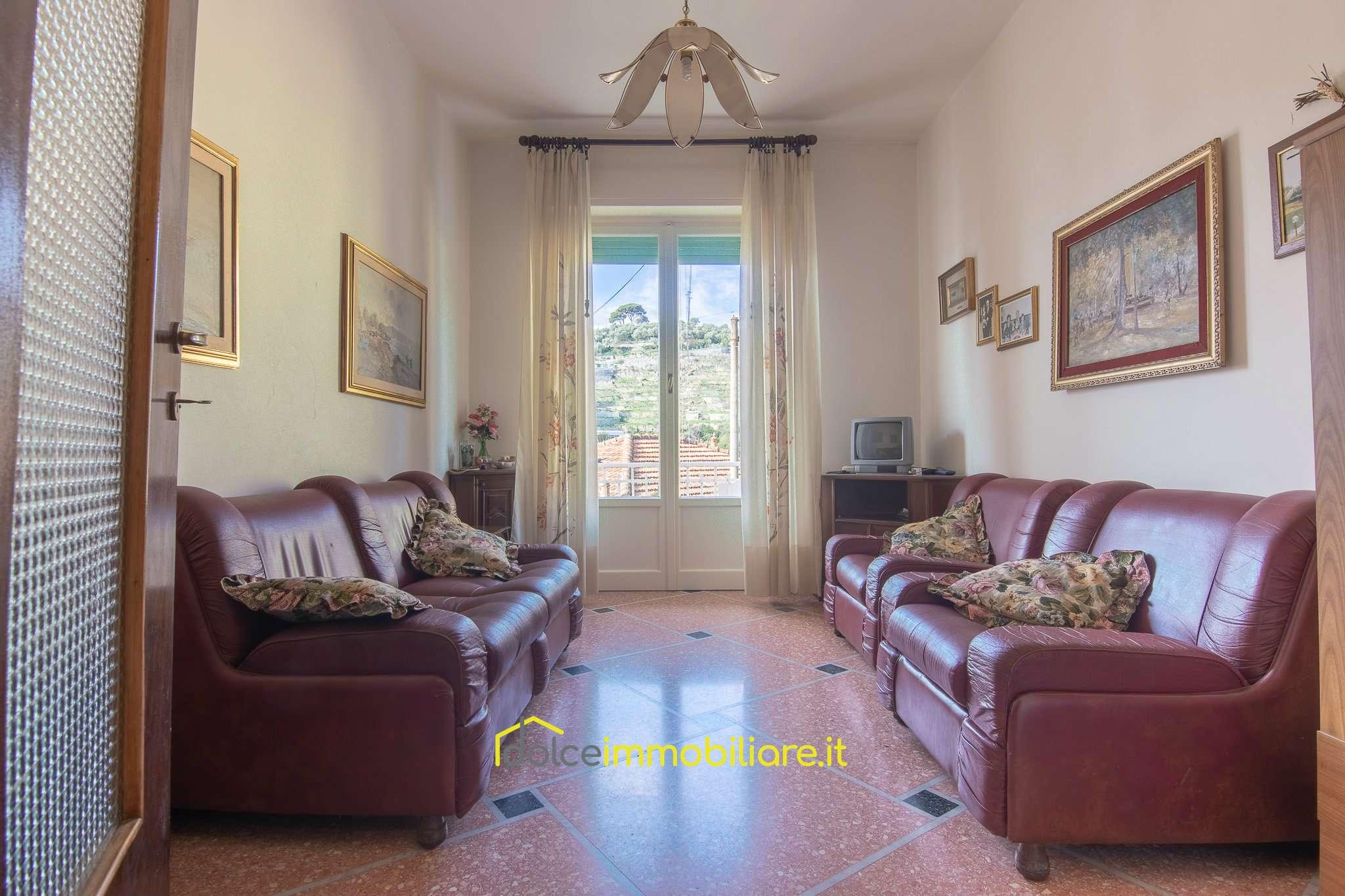 Appartamento in vendita a Rapallo, 3 locali, prezzo € 135.000   CambioCasa.it