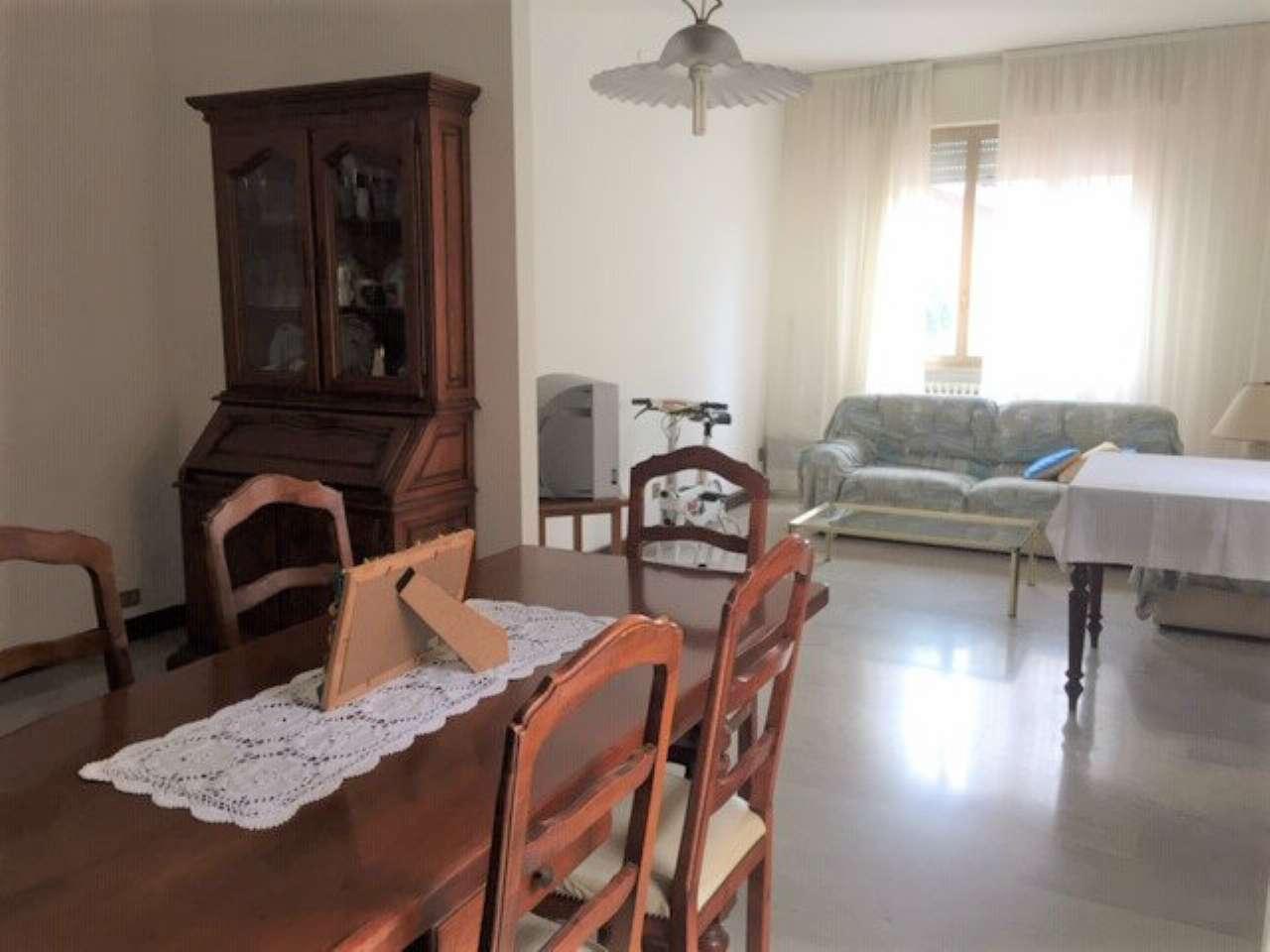 Appartamento in vendita a Fano, 4 locali, prezzo € 245.000   CambioCasa.it