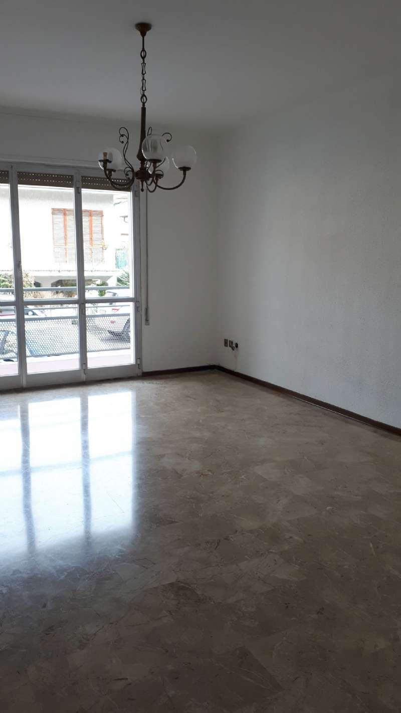 Ampio e luminoso appartamento, foto 0