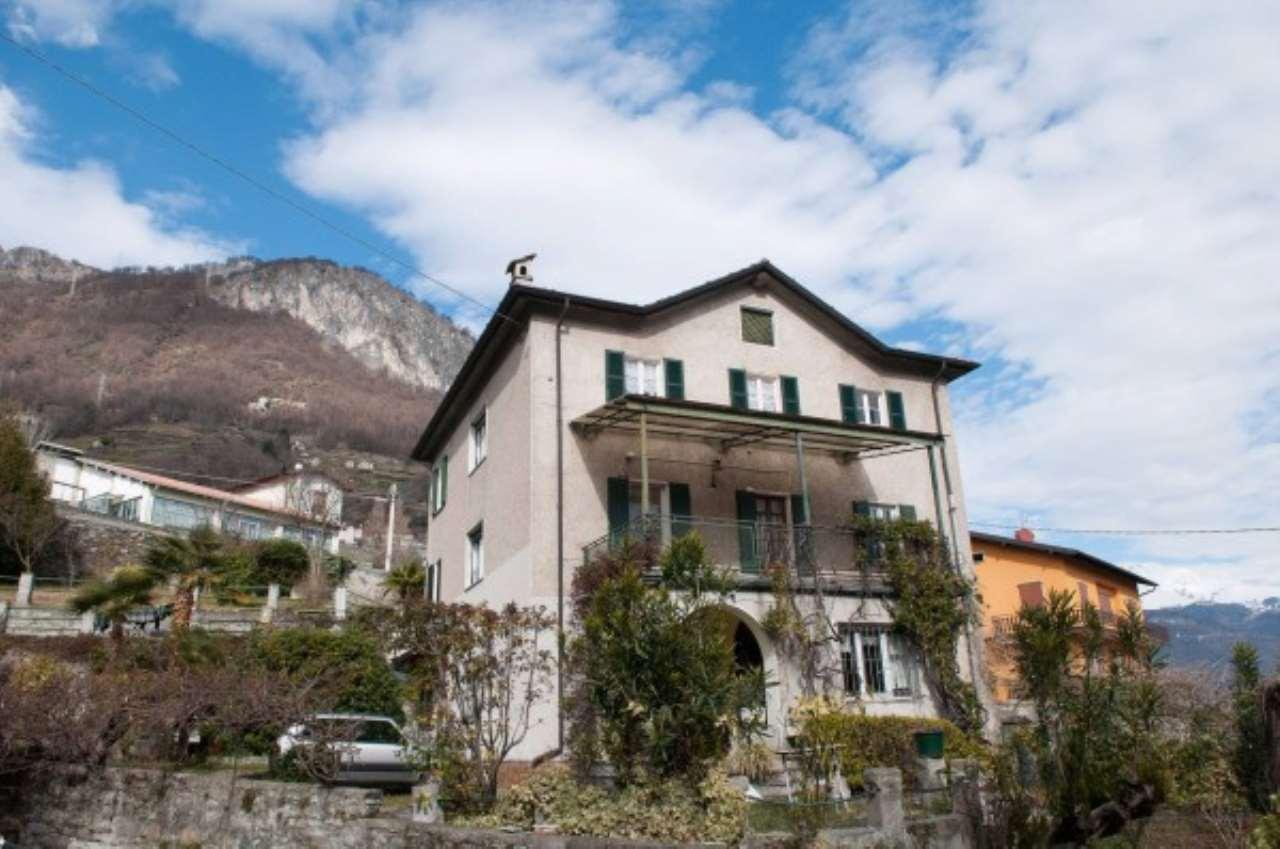 Villa in vendita a Musso, 6 locali, prezzo € 700.000 | CambioCasa.it