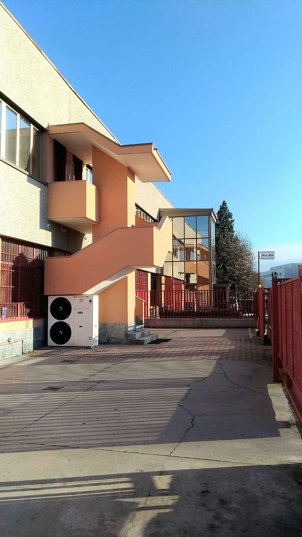 Ufficio / Studio in affitto a Pieve Emanuele, 9 locali, prezzo € 50.000 | CambioCasa.it
