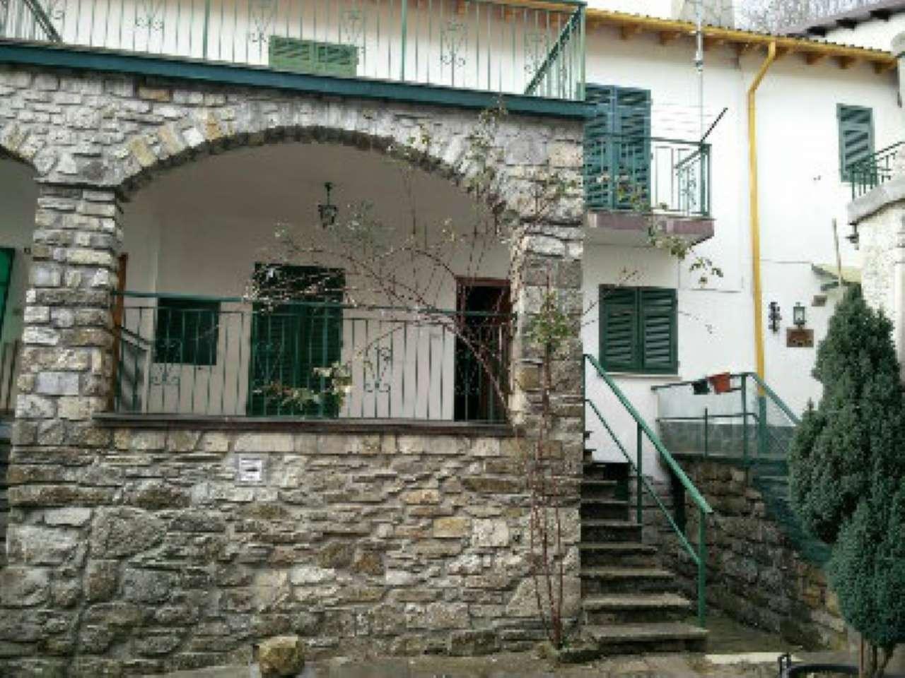 Soluzione Semindipendente in vendita a Rezzoaglio, 6 locali, prezzo € 57.500 | CambioCasa.it