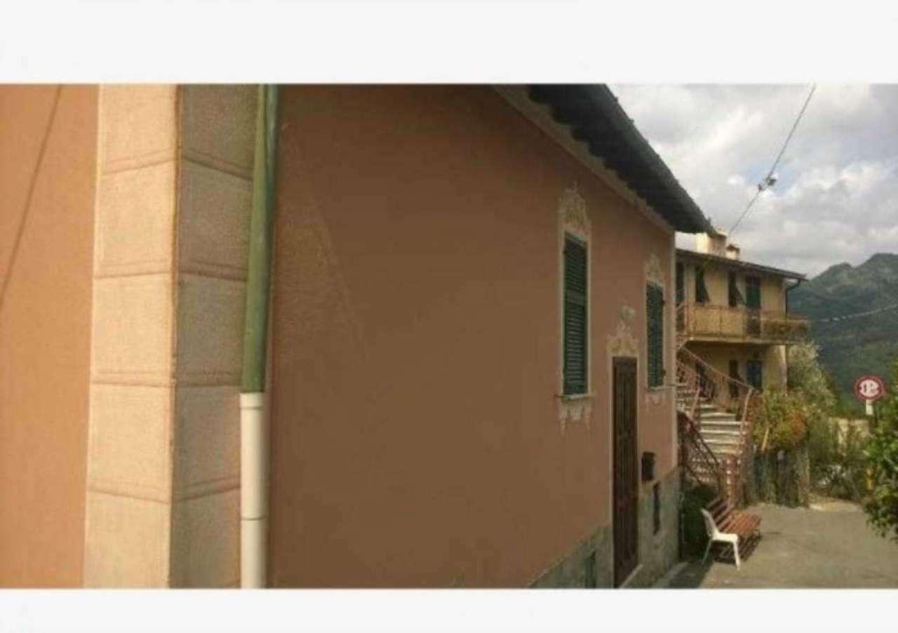 Soluzione Semindipendente in affitto a Avegno, 5 locali, prezzo € 450 | CambioCasa.it
